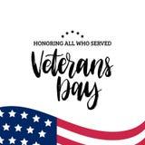 Las letras de día felices de veteranos con los E.E.U.U. señalan el ejemplo por medio de una bandera 11 de noviembre fondo del día Fotos de archivo