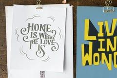 Las letras de la mano de la cita de la motivación en bosquejo cubren libre illustration