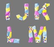 Las letras del collage de I a M hicieron del papel aislado en backg gris stock de ilustración
