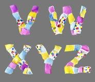 Las letras del collage de V a Z hicieron del papel aislado en backg gris fotografía de archivo libre de regalías