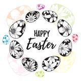 Las letras felices de Pascua dentro de los huevos dibujados mano enrruellan con con los elementos florales Fotografía de archivo