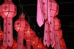 Las linternas rojas foto de archivo