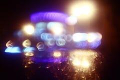 Las luces de la ciudad de Bokeh empañaron el movimiento propio Fotografía de archivo libre de regalías