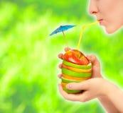 Cóctel sano de manzanas Foto de archivo libre de regalías