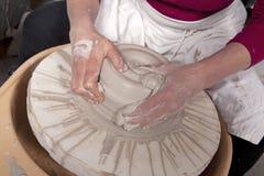 Las manos del alfarero Fotografía de archivo
