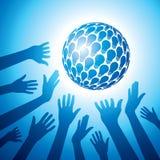 Las manos sostienen el conjunto de bulbos, energía de la salvaguardia Fotos de archivo libres de regalías