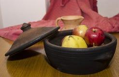 Las manzanas nacionales y otra da fruto ekological Fotografía de archivo libre de regalías
