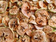 Las manzanas secaron el nuevo primer de la cosecha en el top Fotografía de archivo libre de regalías