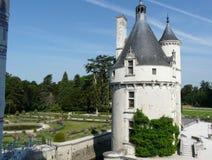 Las marcas se elevan en el castillo francés de Chenonceau, Francia Fotografía de archivo libre de regalías