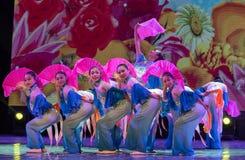 Las mariposas son danza popular danza-china del Libre-fan de la nacionalidad de Han Fotos de archivo libres de regalías