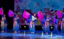 Las mariposas son danza popular danza-china del Libre-fan de la nacionalidad de Han Imagen de archivo