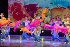 Las mariposas son danza popular danza-china del Libre-fan de la nacionalidad de Han Fotografía de archivo libre de regalías