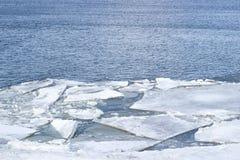 Las masas de hielo flotante de hielo marino blancas Fotografía de archivo