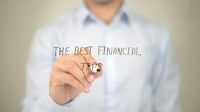 Las mejores extremidades financieras, escritura del hombre en la pantalla transparente foto de archivo
