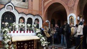 Las monjas en la iglesia rusa de Mary Magdalene localizaron en el monte de los Olivos fotos de archivo