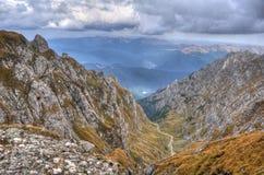 Las montañas ajardinan, las montañas de Bucegi, Rumania, HDR Fotografía de archivo