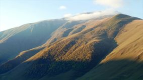 Las montañas amanecen timelapse almacen de video