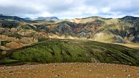 Las montañas coloridas de Landmannalaugar ajardinan, opinión de Brennisteinsalda, Islandia Imagenes de archivo