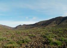 Las montañas coloridas en la isla Fuerteventura Fotos de archivo