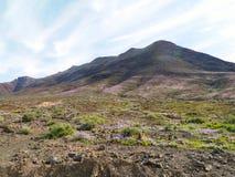 Las montañas coloridas en la isla Fuerteventura Foto de archivo