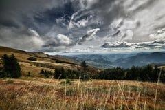 Las montañas de Toscana, paraíso están después VII Imagenes de archivo