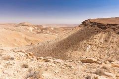 Las montañas del cráter empiedran sceni de la naturaleza de Oriente Medio del paisaje del desierto Foto de archivo libre de regalías