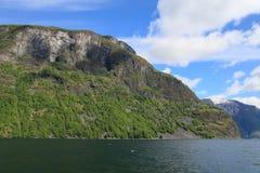 Las montañas en el Sognefjord Fotografía de archivo libre de regalías