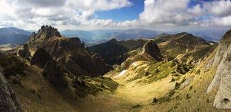 Las montañas hermosas de Ciucas en Rumania Fotos de archivo