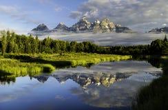 Las montañas magníficas de Tetons en Wyoming imagen de archivo