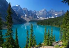 Las montañas rocosas canadienses Imagen de archivo libre de regalías