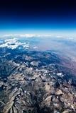 Tiro aéreo de montañas Fotos de archivo