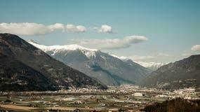 Las montañas suizas Imagenes de archivo