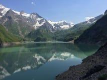 Las montañas suizas Imágenes de archivo libres de regalías