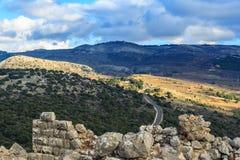 Las montañas superiores de Galilea ajardinan piedras, rocas y ruinas de la fortaleza antigua, opinión del norte de Israel Fotos de archivo libres de regalías