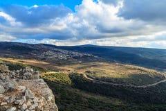 Las montañas superiores de Galilea ajardinan piedras, rocas y ruinas de la fortaleza antigua, opinión del norte de Israel Fotos de archivo