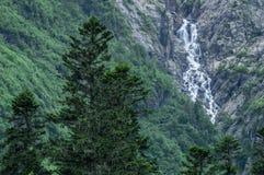 Las montañas, viaje, naturaleza, lagos, lugar hermoso, caen imagen de archivo