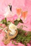 Las muñecas de la torta de boda, se levantaron Imagen de archivo libre de regalías