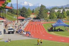 Las muchachas compiten en atletismo Fotografía de archivo