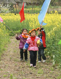 Las muchachas que juegan en la violación colocan, Chengdu, China Foto de archivo
