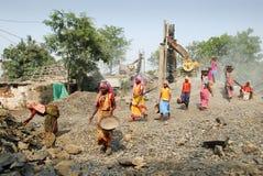 Las mujeres trabajan en la India Foto de archivo libre de regalías