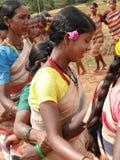 Las mujeres tribales conectan los brazos Imagen de archivo libre de regalías