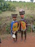 Las mujeres tribales de Bonda presentan para los retratos Imágenes de archivo libres de regalías