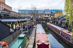 Las naves amarraron en Londres, Inglaterra, Reino Unido Foto de archivo libre de regalías