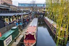 Las naves amarraron en Londres, Inglaterra, Reino Unido Imagen de archivo libre de regalías