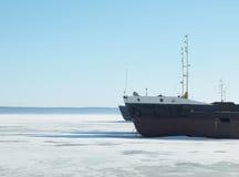 Las naves en el lago congelado Fotografía de archivo libre de regalías