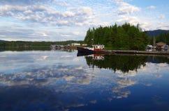 Las nubes de la tarde reflejaron en la bahía, meauca, A.C. foto de archivo