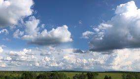 Las nubes del lapso de tiempo, nube hinchada rodante se est?n moviendo, el lapso de tiempo blanco de las nubes de los lightnes Ul almacen de video
