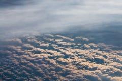 Las nubes m?s bajas de la atm?sfera son estrato, c?mulo, y stratocumulus imágenes de archivo libres de regalías
