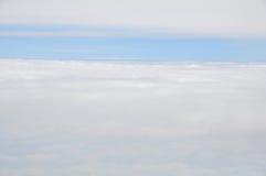 Las nubes ven del aeroplano Imagen de archivo