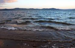 Las ondas en el lago Itkul 2 Imagen de archivo